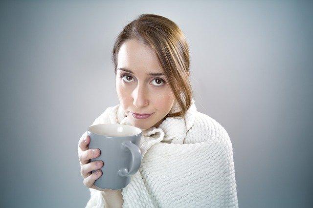žena při nachlazení