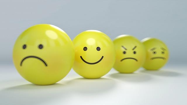 žluté míčky