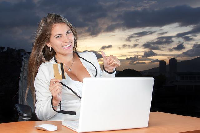žena u notebooku