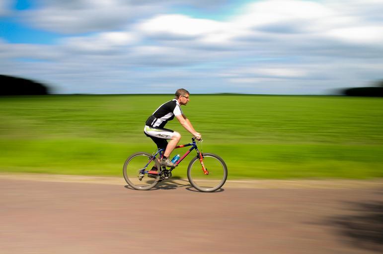 Cyklista na vyjížďce