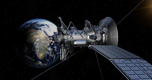 satelit se solárním napájením